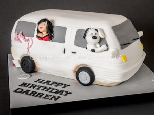 Rusty mini camper van cake